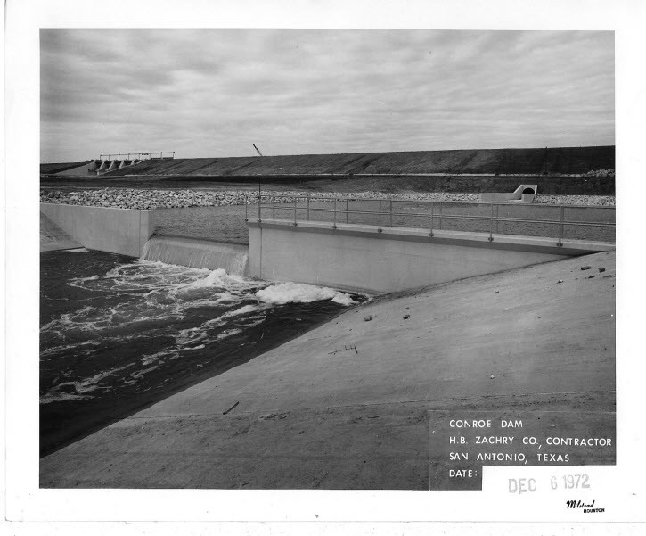 Lake Conroe Dam and Weir Pond Construction in 1972 (credit: San Jacinto River Authority)